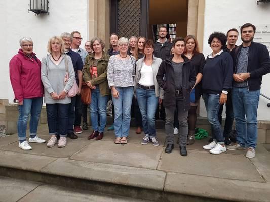 Die Jurymitglieder nach der Sitzung im historischen Rathaus (Foto: Helga Beckmann, Quartiersmanagement)