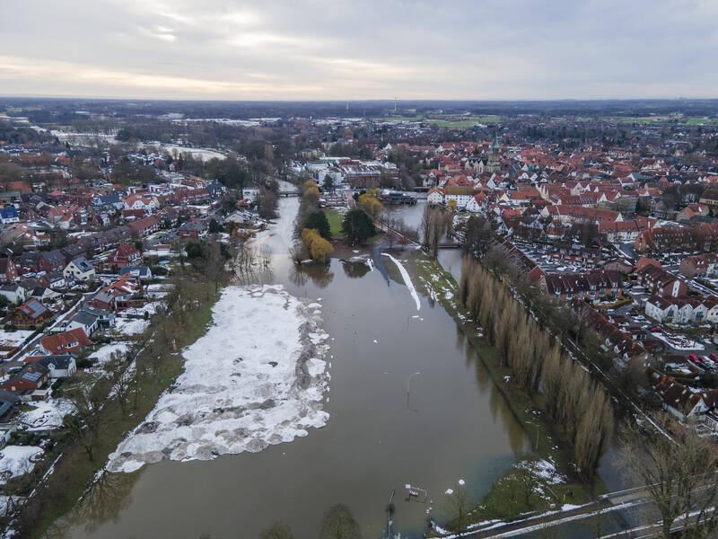 Zurzeit führt die Ems bei Warendorf Hochwasser