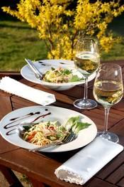 Gut essen und trinken bei schönem Ambiente