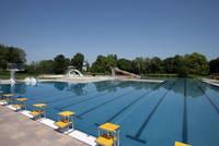Das 50 Jahre alte, in herrlicher Natur gelegene Freibad wurde im Jahr 2009 komplett saniert und bietet zahlreiche Möglichkeiten für Spiel, Sport und Spaß im und am Wasser. Ein umfangreicher Eventkalender macht das Warendorfer Freibad zum einzigartigen Sommer-Highlight.