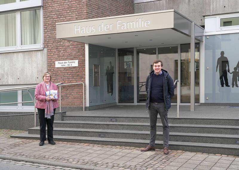 Ursula Pinnekamp und Bürgermeister Peter Horstmann