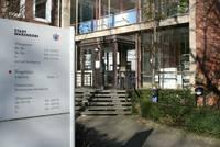 In der Stadtverwaltung befinden sich neben vielen weiteren Organisationseinheiten der Stadt das Bürgerbüro, die Gleichstellungsstelle und das Sachgebiet Soziales und Wohnen