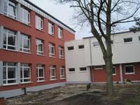 Ein Beitrag um Energiesparen: 2010 wurde die Fassade des Mariengymnasiums gedämmt, Fenster wurden erneuert