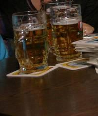 Vor dem Ausschank von alkoholischen Getränken bei Veranstaltungen muss eine Erlaubnis erteilt worden sein