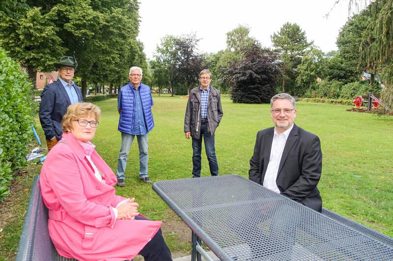 Thomas Feldmann, Wilma Richter, Dietmar Elsner, Bernd Reinker, Bürgermeister Axel Linke