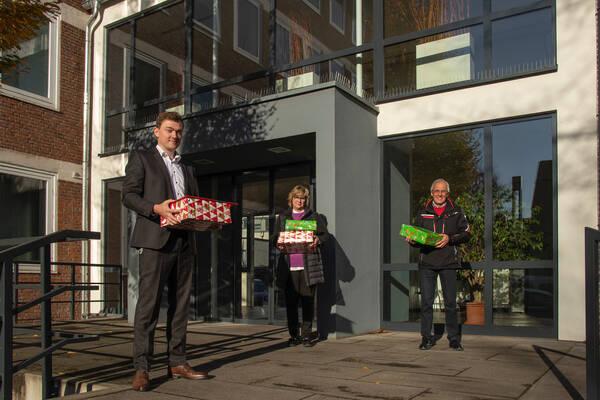Bürgermeister Peter Horstmann, Sylvia Oertker, Martin Schulte (beide Aktion Kleiner Prinz)