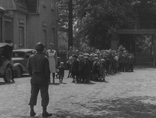 Besuch von Schulklassen 1945 im Landgestüt