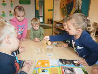 Kinder werden spielerisch integriert