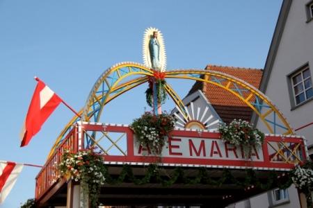 Prozession anlässlich des Hochfestes Mariä Himmelfahrt